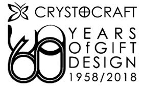 В 2018 году компании Кристокрафт исполнилось 60 лет. Когда скромный кузнец металла из Гонконга основал свою компанию 1 октября 1958 года, он не знал, что спустя 60 лет бренд с бабочкой станет одним из выдающихся и успешных мировых брендов в индустрии сувенирных подарков.