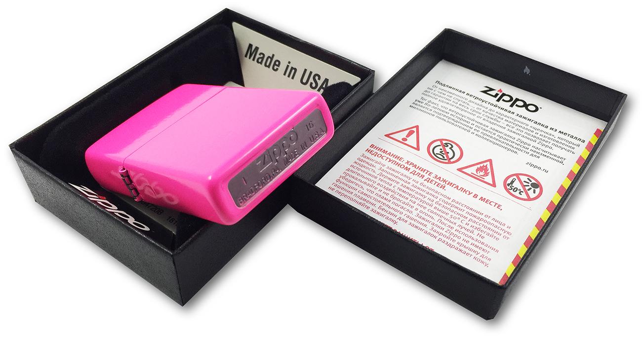 28886 Зажигалка Zippo Neon Pink - заводской штамп на донышке