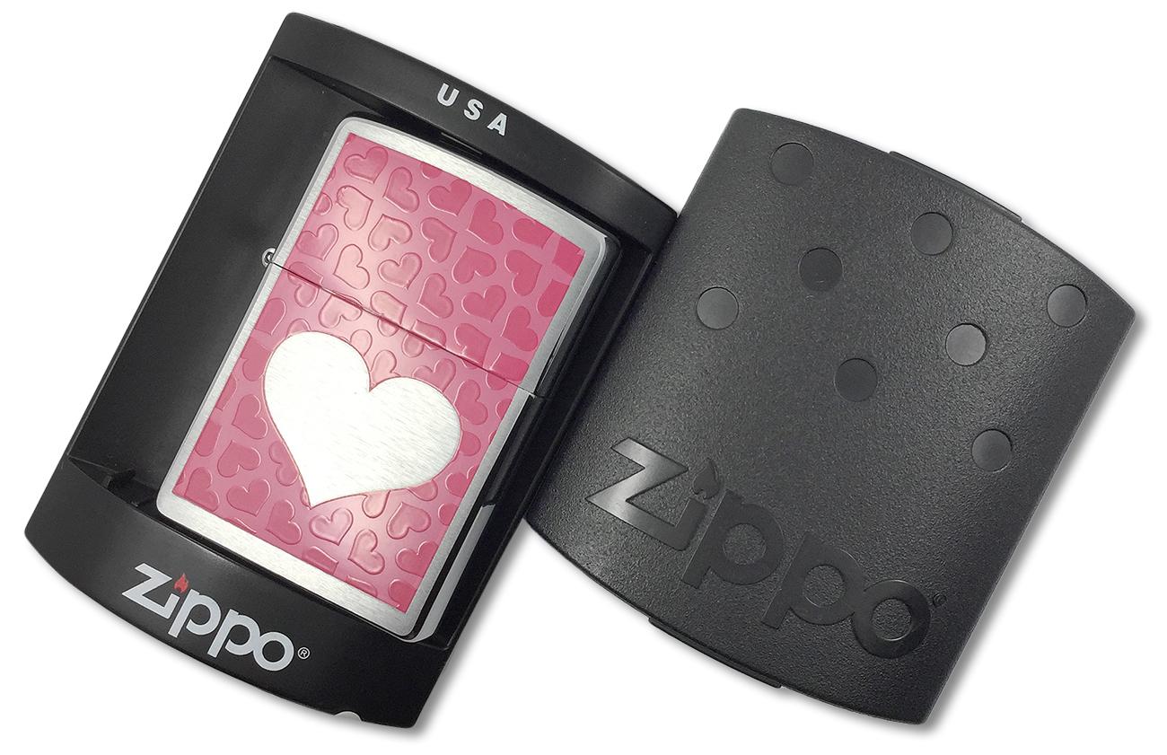 200 Зажигалка Zippo Pink Hearts, Brushed Chrome - в пластиковой подарочной упаковке