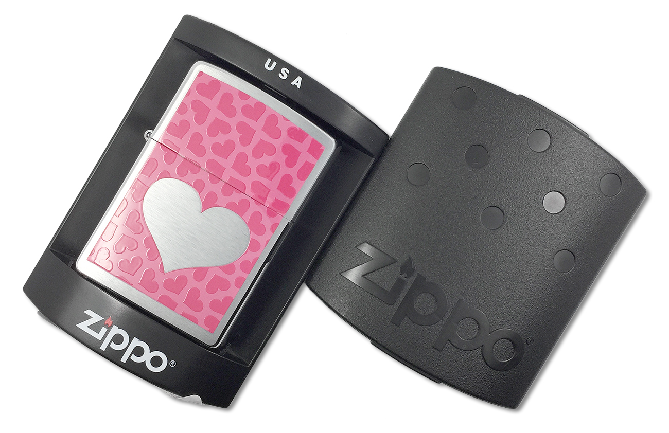 200 Зажигалка Zippo Pink Hearts, Brushed Chrome - в пластиковой подарочной коробке