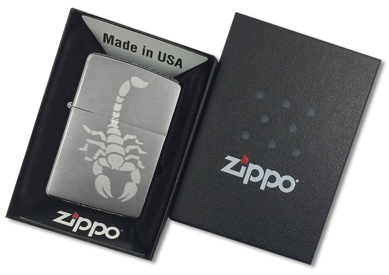 200 Зажигалка Zippo Scorpion, Brushed Chrome - в подарочной упаковке