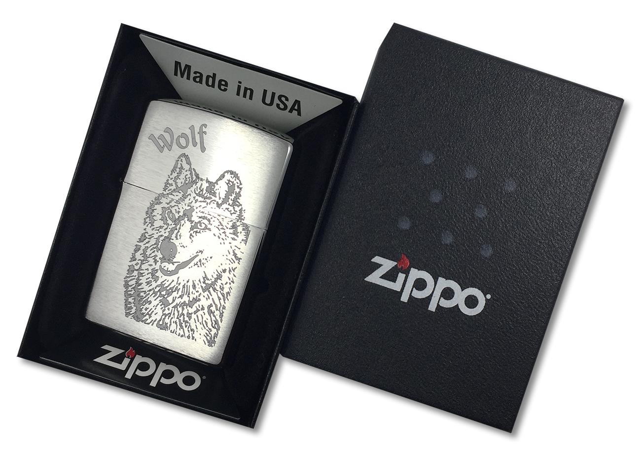 200 Wolf Зажигалка Zippo, Brushed Chrome - в подарочной коробке