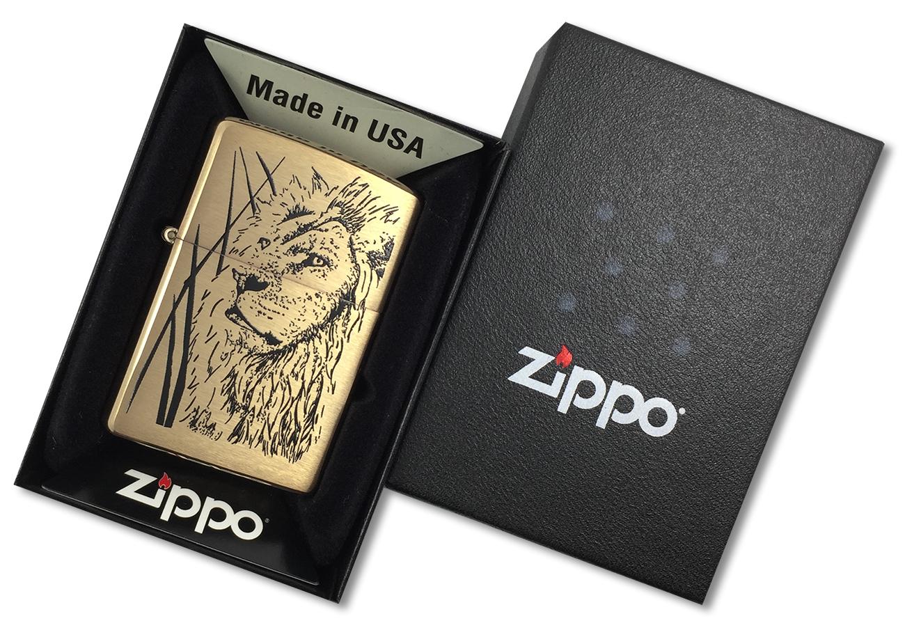 204B Proud Lion Зажигалка Zippo, Brushed Brass - в подарочной коробке зиппо