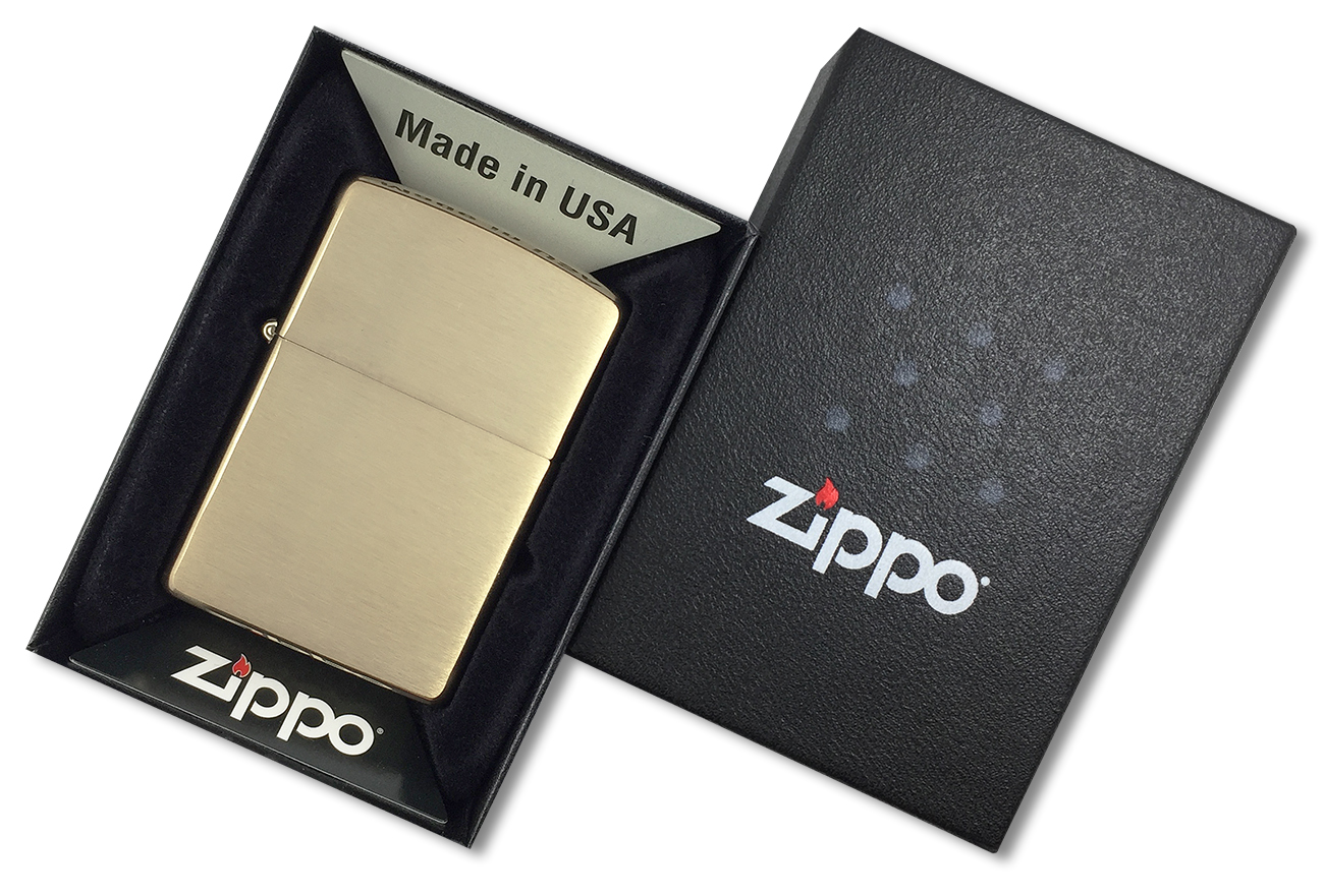 204B Зажигалка Zippo Brushed Brass w/o Solid Engraved - заводской штамп на дне зажигалки