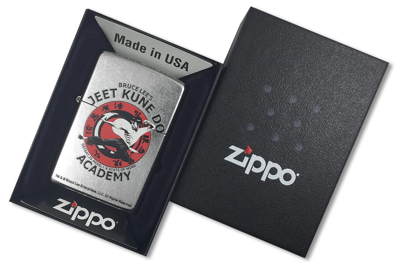 207 Bruce Lee Зажигалка Zippo Jeet Kune Do, Street Chrome - в подарочной коробке