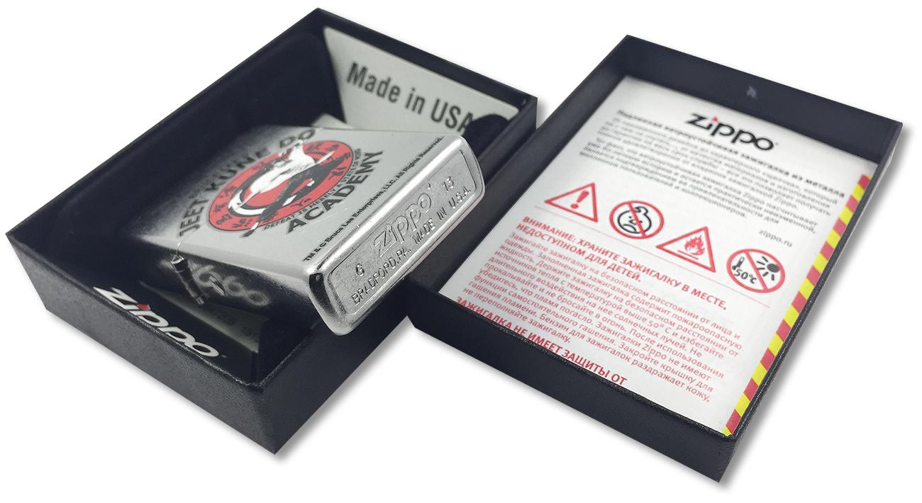 207 Bruce Lee Зажигалка Zippo Jeet Kune Do, Street Chrome - заводской штамп на дне зажигалки