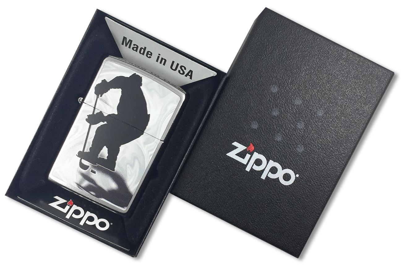 207 Hockey Зажигалка Zippo Хоккеист, Street Chrome - в подарочной коробке