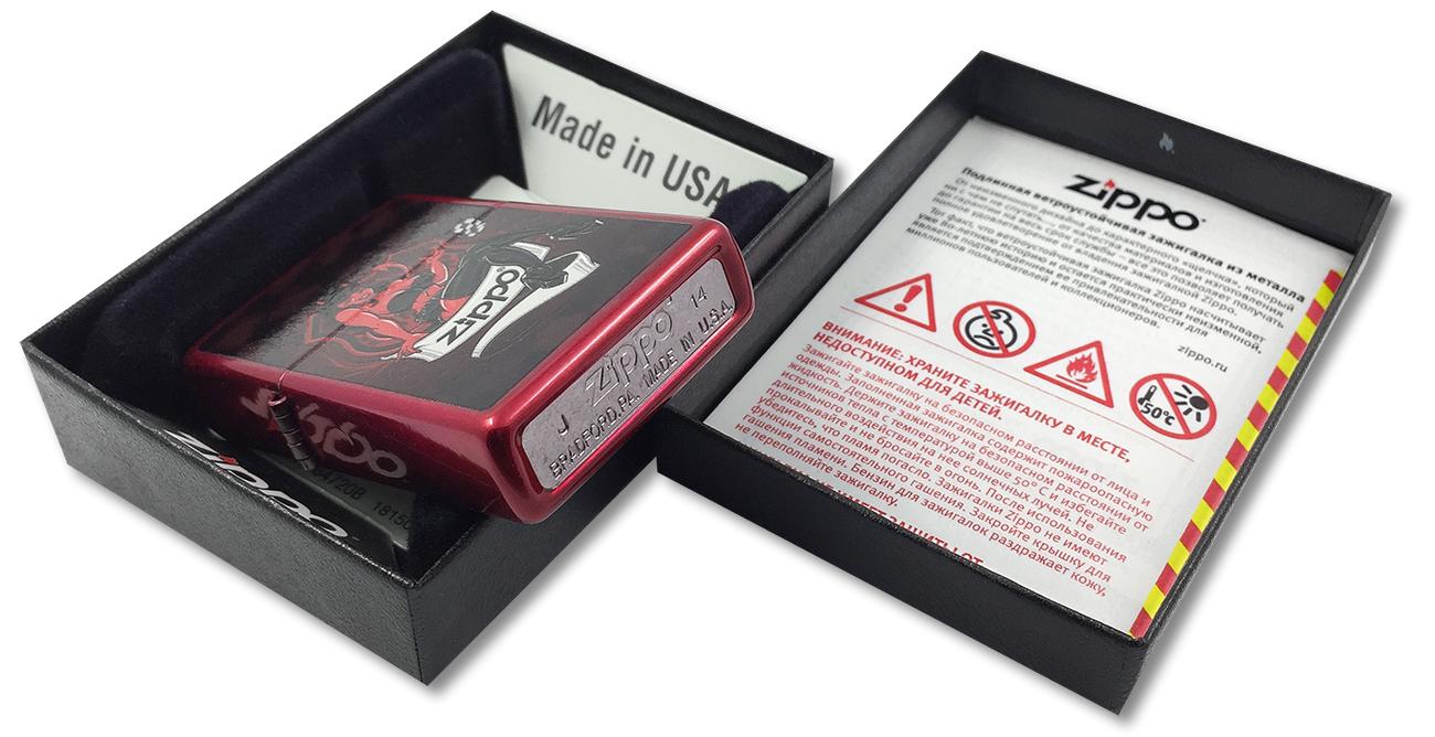 21063 Devil Girl Зажигалка Zippo, Candy Apple Red - заводской штамп на дне зажигалки