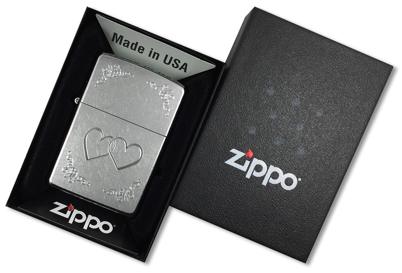 24016 Зажигалка Zippo Heart to Heart, Street Chrome - в подарочной упаковке