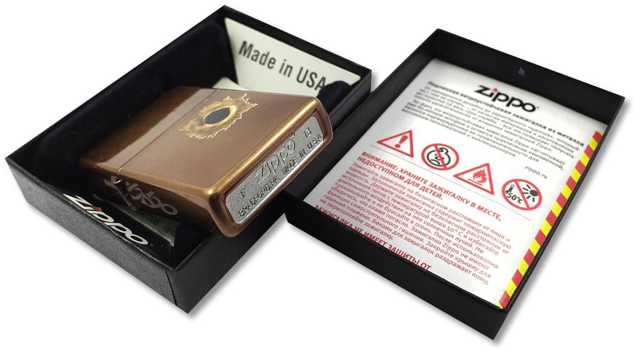 24717 Зажигалка Zippo Bullet Hole, Toffee Finish - заводской штамп на дне зажигалки