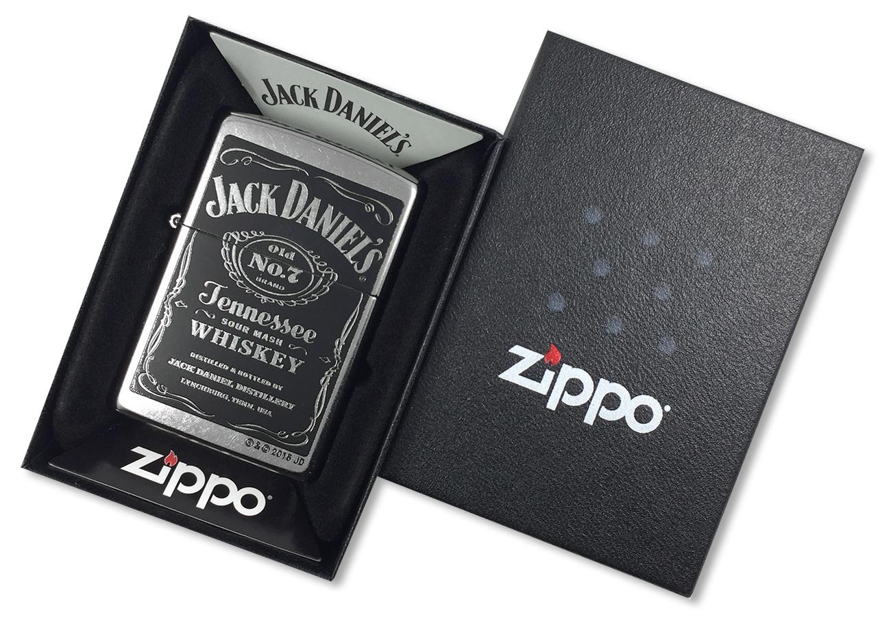 24779 Зажигалка Zippo Jack Daniels Distillery, Street Chrome - в подарочной коробке