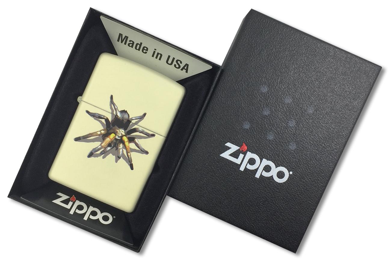 28032 Зажигалка Zippo Tarantula, Cream Matte - в подарочной упаковке