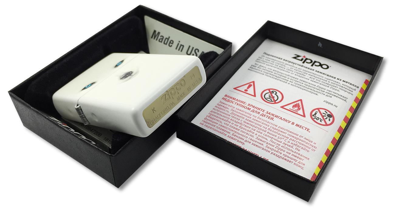 28272 Зажигалка Zippo Arctic Fox, White Matte - заводской штамп на дне зажигалки зиппо
