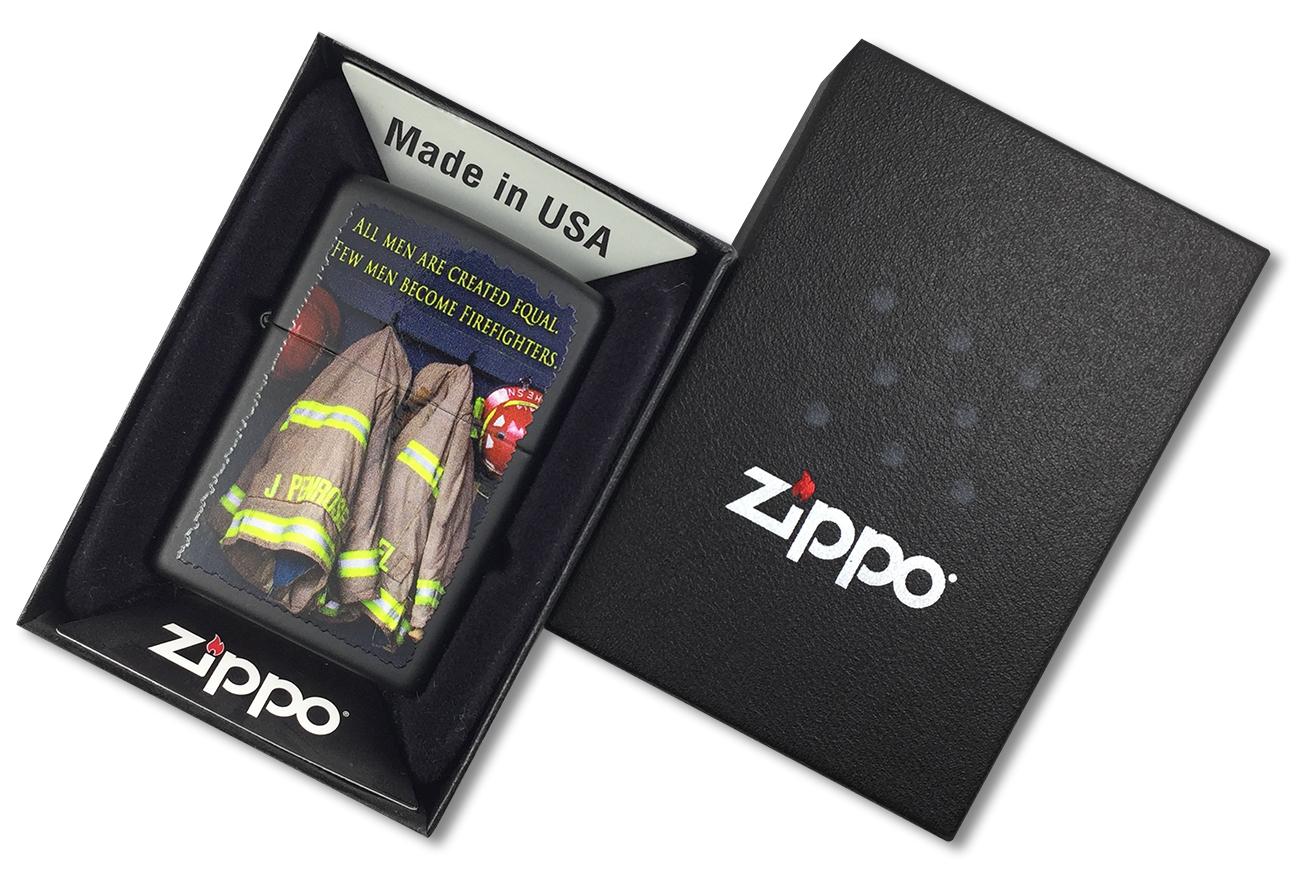 28316 Зажигалка Zippo Firemen Coats, Black Matte - в подарочной упаковке