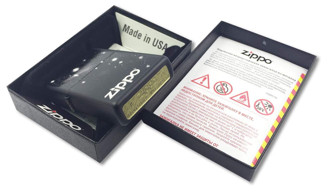 28433 Зажигалка Zippo Galaxy, Black Matte - заводской штамп на дне зажигалки