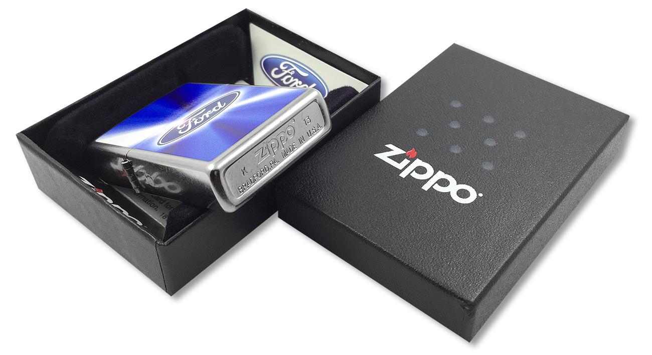 28455 Зажигалка Zippo Ford Blue, Satin Chrome - заводской штамп на дне зажигалки