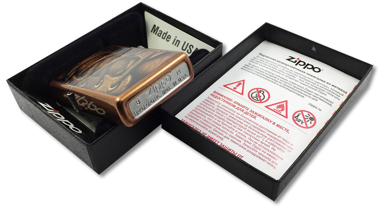 28672 Зажигалка Zippo Boot Laces, Toffee Finish - заводской штамп на дне зажигалки зиппо