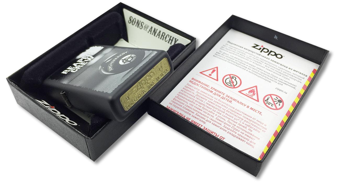 28677 Зажигалка Zippo Reaper Crew, Black Matte - заводской штамп на дне зажигалки