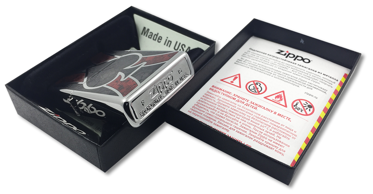28952 Зажигалка Zippo Spade Fusion, Polish Chrome - заводской штамп на дне зажигалки
