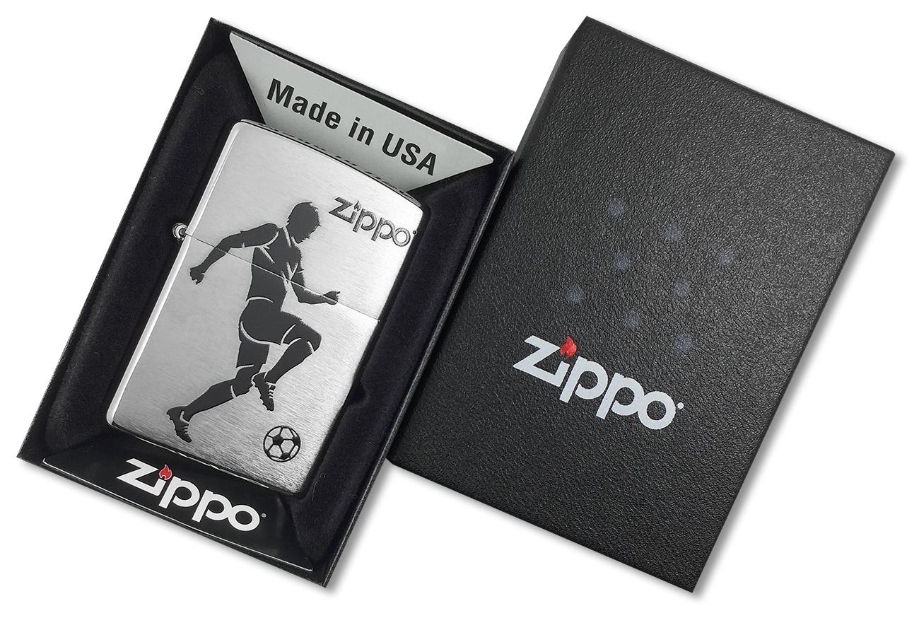 29201 Зажигалка Zippo Soccer Player, Brushed Chrome - в подарочной упаковке