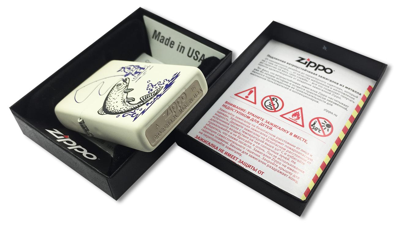 29227 Зажигалка Zippo Fishing, Cream Matte - заводской штамп на дне зажигалки