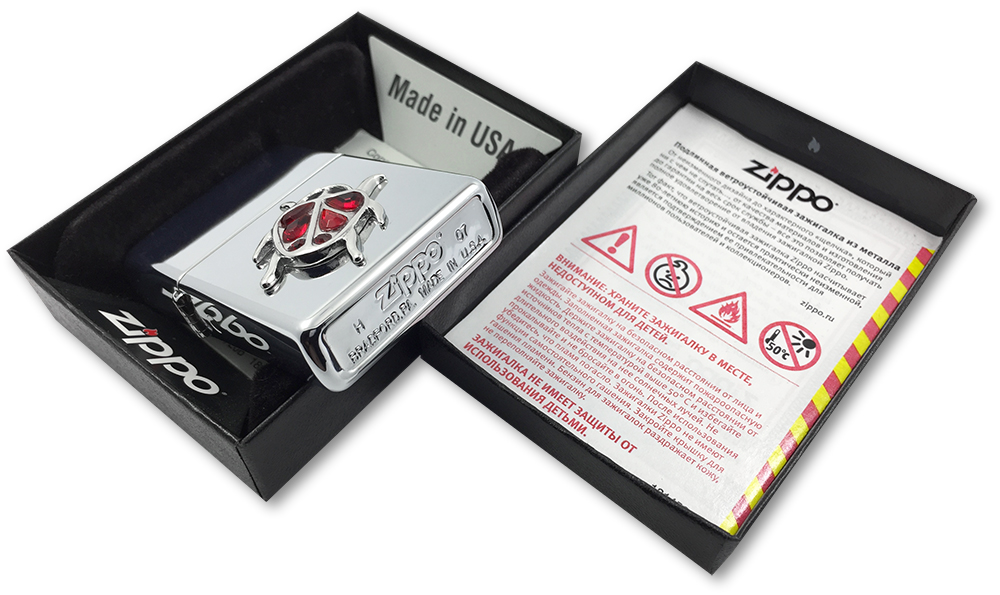 20509 Зажигалка Zippo Ladybug Emblem, Polish Chrome - заводской штамп на дне зажигалки