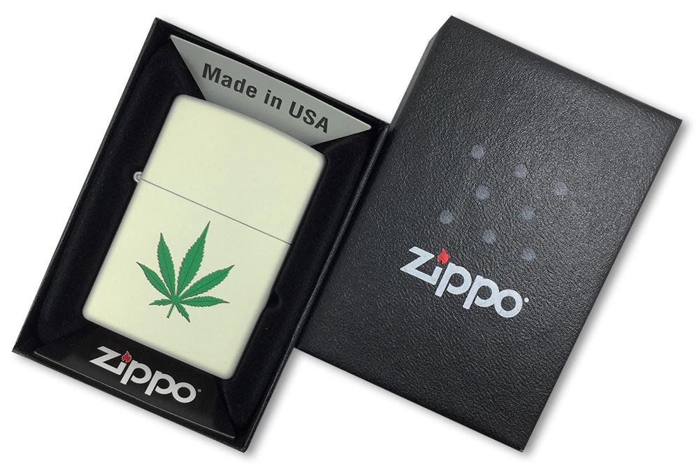 216 Зажигалка Zippo Green Marijuana Leaf Design, Cream Matte - в подарочной коробке
