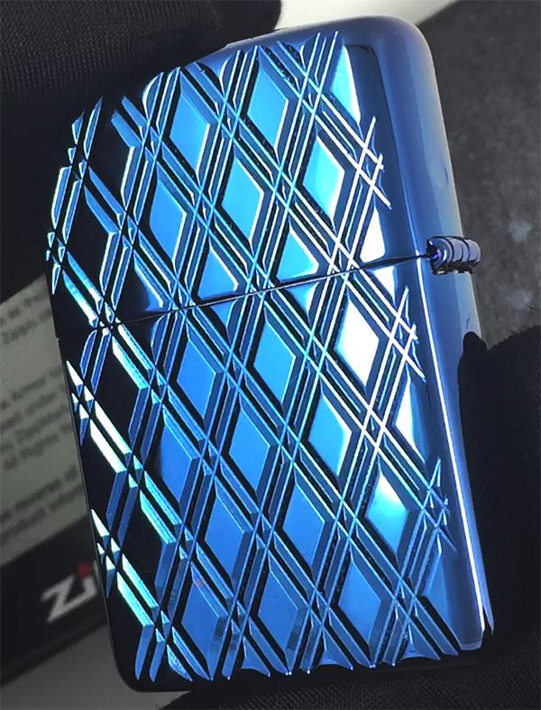 29964 Зажигалка Zippo Diamonds, Armor Polish Blue