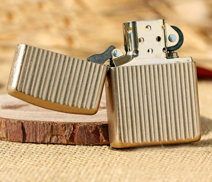 28638 Зажигалка Zippo Engine Turn Armor, Tumbled Brass