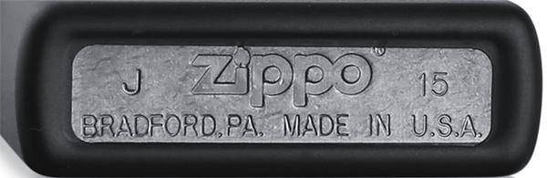 218C Зажигалка Zippo Street Chrome in Black Matte — серебристое донышко