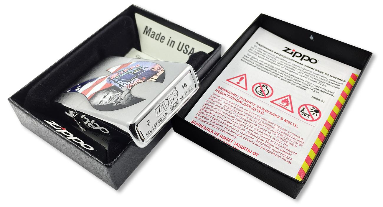 29075 Зажигалка Zippo Founder Collage Classic, Brushed Chrome - заводской штамп на дне зажигалки
