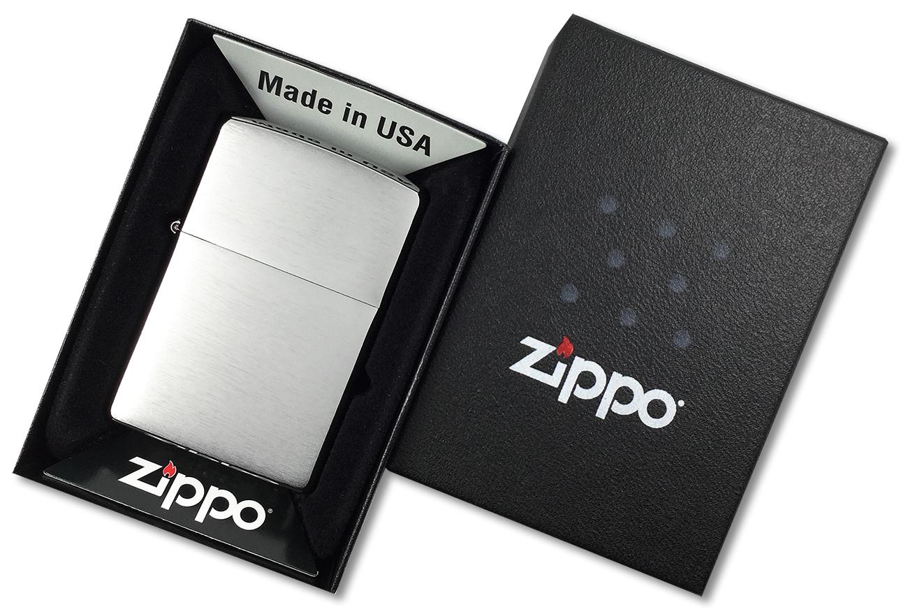 200 Зажигалка Zippo Brushed Chrome - в подарочной коробке Зиппо