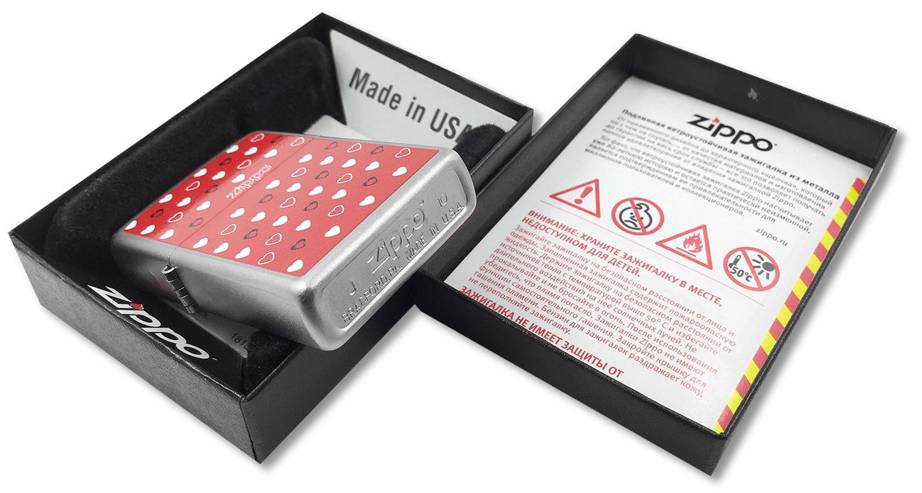 205 Зажигалка Zippo Hearts, Satin Chrome - заводской штамп на дне зажигалки